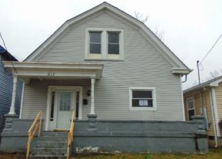 Foreclosed Home in Louisville 40211 S 36TH ST - Property ID: 4378997768