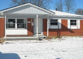 Foreclosed Home in Louisville 40272 GANDY RD - Property ID: 4379007841