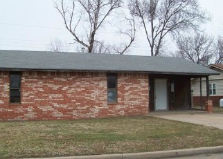 Foreclosed Home in Ponca City 74601 S SUNSET ST - Property ID: 4379163758