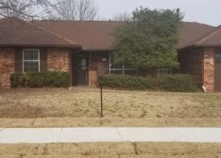 Foreclosed Home in Oklahoma City 73120 NW 118TH ST - Property ID: 4379167248