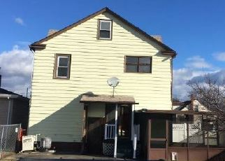 Foreclosed Home in Pittston 18643 SANOVIA ST - Property ID: 4379189147