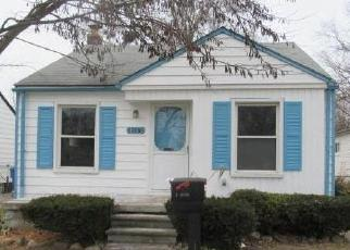 Foreclosed Home in Dearborn Heights 48125 PENNIE ST - Property ID: 4379369605