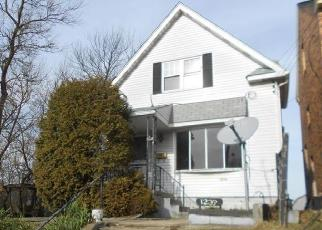 Foreclosed Home in Pittsburgh 15205 COLESCOTT ST - Property ID: 4379405516