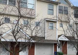 Foreclosed Home in Meriden 06451 WOODLAND ST - Property ID: 4379523323