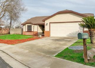 Foreclosed Home in Hanford 93230 OAKWOOD CT - Property ID: 4379556616