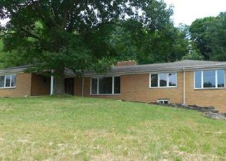 Foreclosed Home in Carnegie 15106 ROSSLYN RD - Property ID: 4379752838