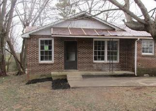 Foreclosed Home in Clarksville 37043 GRATTON RD - Property ID: 4379769921