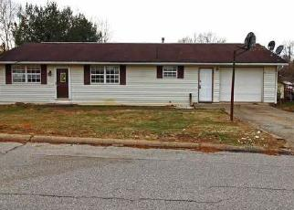 Foreclosed Home in Parkersburg 26101 NASH ST - Property ID: 4379857501