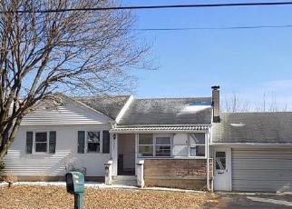 Foreclosed Home in Easton 18040 BANGOR RD - Property ID: 4379891215