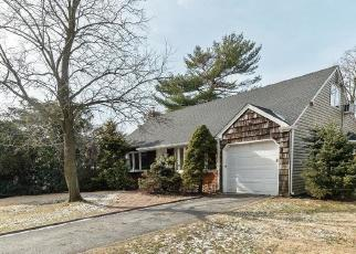 Foreclosed Home in Malverne 11565 PARKVIEW PL - Property ID: 4379895611