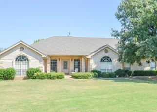 Foreclosed Home in Henrietta 76365 E COMMERCE ST - Property ID: 4380046717