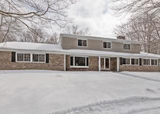 Foreclosed Home in Mequon 53097 N FOX HOLLOW RD - Property ID: 4380057215