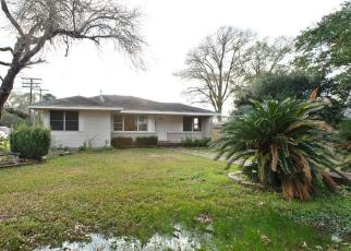 Foreclosed Home in Groves 77619 BOYD AVE - Property ID: 4380068612