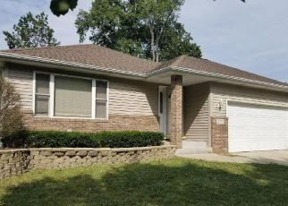 Foreclosed Home in Hobart 46342 CYPRESS LN - Property ID: 4380078684