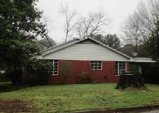 Foreclosed Home in Longview 75602 W JEWELL DR - Property ID: 4380174600