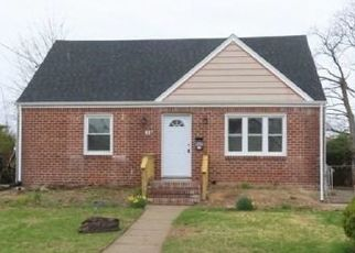 Foreclosed Home in Uniondale 11553 SUSAN PL - Property ID: 4380385257