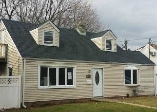 Foreclosed Home in Massapequa 11758 SEAFORD AVE - Property ID: 4380392267