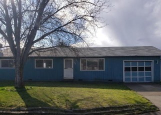 Foreclosed Home in White City 97503 HALE WAY - Property ID: 4380460143