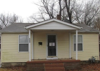 Foreclosed Home in East Saint Louis 62206 MILDRED AVE - Property ID: 4380804400