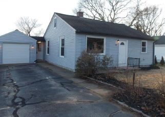 Foreclosed Home in Westerly 02891 CHARLES AVE - Property ID: 4381226613