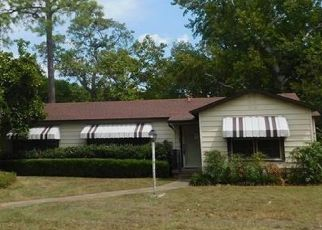 Foreclosed Home in Fort Worth 76114 KEITH PUMPHREY DR - Property ID: 4381280934