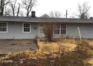Foreclosed Home in East Saint Louis 62203 N 70TH ST - Property ID: 4381288810