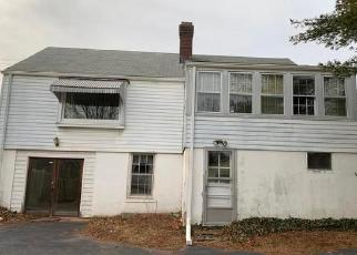 Foreclosed Home in Meriden 06450 PADDOCK AVE - Property ID: 4381343105