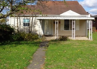 Foreclosed Home in Huntington 25704 CHASE ST - Property ID: 4381750422