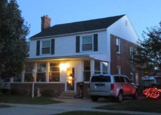 Foreclosed Home in Southgate 48195 COMMONWEALTH ST - Property ID: 4381906341