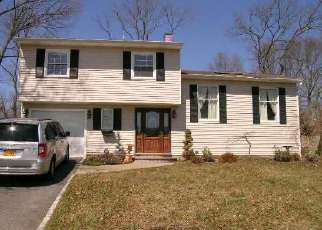 Foreclosed Home in Farmingville 11738 MOUNT RAINIER AVE - Property ID: 4382224760