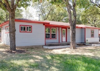 Foreclosed Home in Bedford 76022 GLENDA DR - Property ID: 4382317155