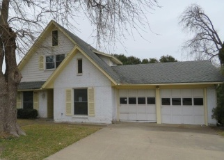 Foreclosed Home in Garland 75041 CARROLL DR - Property ID: 4382319352