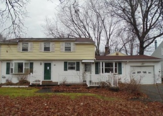 Foreclosed Home in Rochester 14626 SAINT JOHNS DR - Property ID: 4382385940