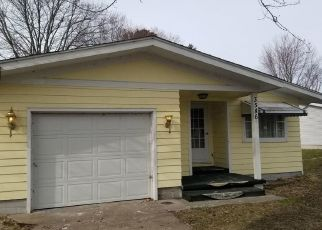 Foreclosed Home in Fort Gratiot 48059 CHARLES ST - Property ID: 4383020554