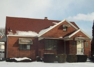 Foreclosed Home in Toledo 43608 ANGELA PL - Property ID: 4383040256