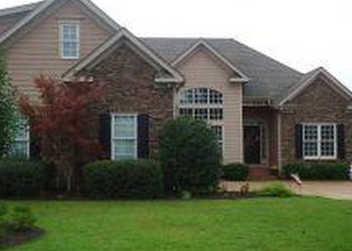 Foreclosed Home in Spring Lake 28390 FALLING WATER RD - Property ID: 4383093247