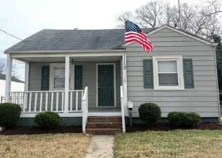 Foreclosed Home in Portsmouth 23701 CHOWAN DR - Property ID: 4383106844