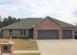 Foreclosed Home in Oklahoma City 73160 SUMMER HILL DR - Property ID: 4383218963