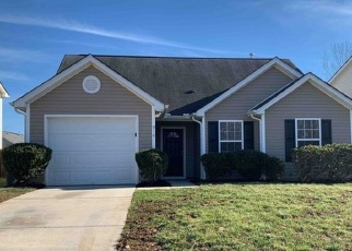 Foreclosed Home in Charlotte 28214 LAKEHILL RD - Property ID: 4383375751