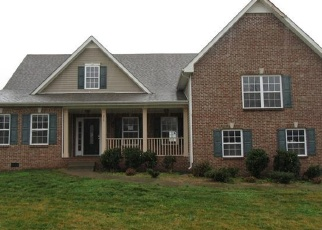 Foreclosed Home in Clarksville 37040 GLENHURST WAY - Property ID: 4383492690