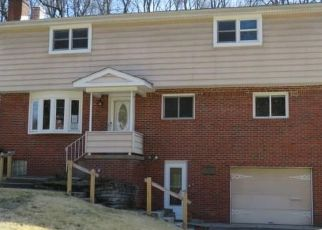 Foreclosed Home in West Mifflin 15122 SHADYSIDE DR - Property ID: 4383620127