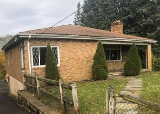 Foreclosed Home in Bethel Park 15102 MEADOWBROOK DR - Property ID: 4383622776