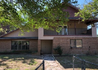 Foreclosed Home in Floresville 78114 DEER TRL - Property ID: 4383913581