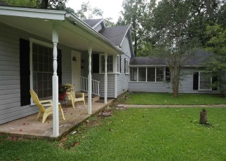 Foreclosed Home in Beaumont 77706 EAST DR - Property ID: 4384154917