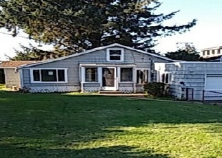 Foreclosed Home in Coos Bay 97420 S WALL ST - Property ID: 4384277988
