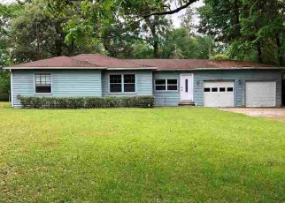 Foreclosed Home in Beaumont 77713 LOOP RD - Property ID: 4384405423