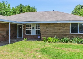 Foreclosed Home in Oklahoma City 73111 NE 45TH ST - Property ID: 4384728205