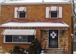 Foreclosed Home in Chicago 60617 S ESSEX AVE - Property ID: 4384751876