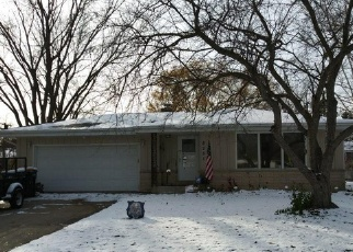 Foreclosed Home in Oak Creek 53154 S VERDEV DR - Property ID: 4384879307
