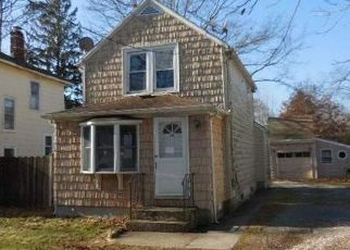 Foreclosed Home in Islip Terrace 11752 CARLETON AVE - Property ID: 4384904268